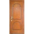 Красивые двери с декоративной отделкой